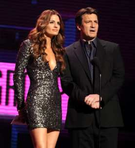 Stana-Nathan-nathan-fillion-and-stana-katic-26237395-542-594