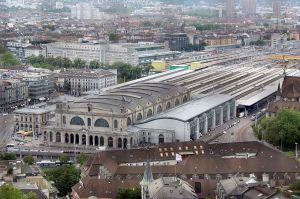 1280px-Zuerich_Hauptbahnhof-2